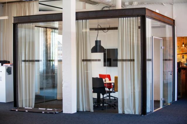 Konferensrum glas/stål